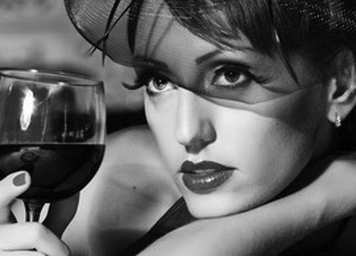 Rande, Rande Gentlemana, vzťahy a rodina, príručka, pravý muž, muž, život muža, pánsky magazín, www.pravymuz.sk, dáma s vínom