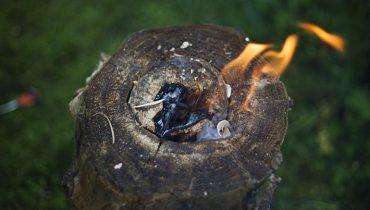 Ako Založiť Oheň Potom ako Pršalo