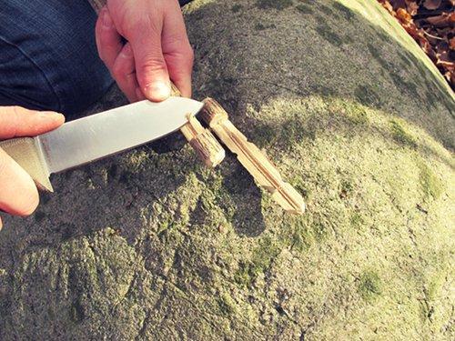 Nôž na prežitie, nôž, survival, bushcraft, armádny, muž, čepeľ, www.pravymuz.sk, pánsky magazín, pasca