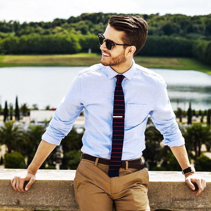 košeľa, čo sa páči ženám na mužoch, muž, móda, pánska móda, fashion, košeľa a vyhrnuté rukávy, www.pravymuz.sk, pansky magazin, muž, women_mens_fashion