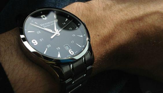 mens-luxury-watches, Ako Nosiť Náramkové Hodinky ako Gentleman, luxusné hodinky, muž, ako si vybrať hodinky, pánsky magazín