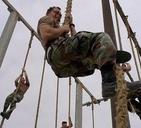 Army RopeClimb, ako šplhať po lane, cviky, fitnes, Mužské Zručnosti, šplhanie, taktická zručnosť, armáda