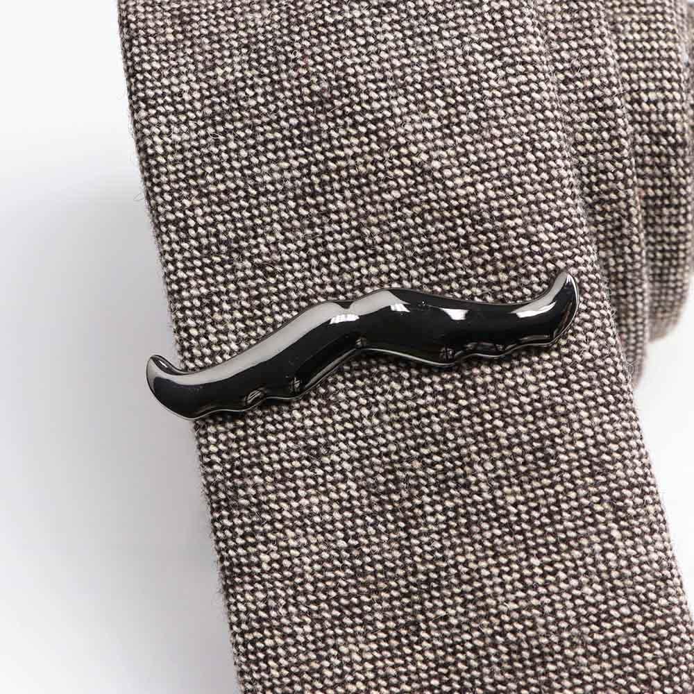Kravatová Spona – Fúzy Čierna Farba