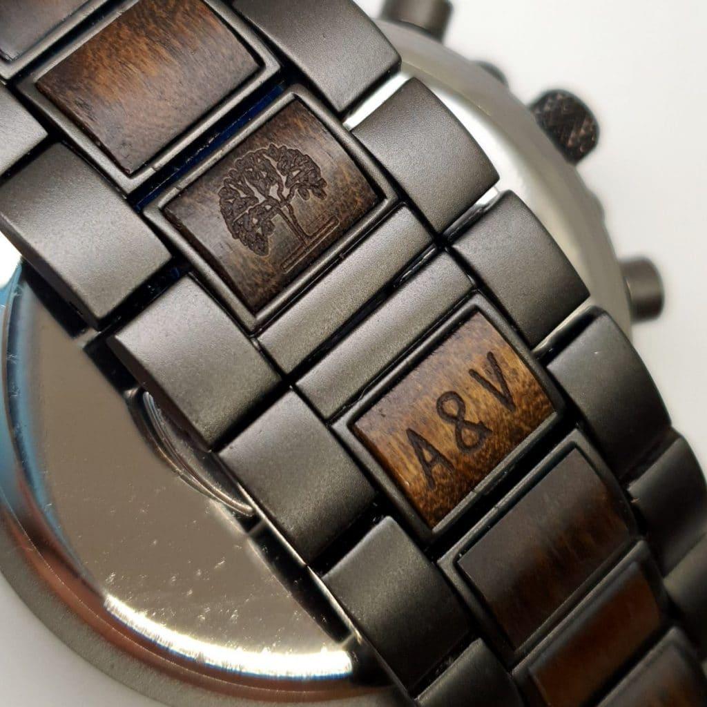 Gravírovanie drevené hodinky Wolf Corredor 1